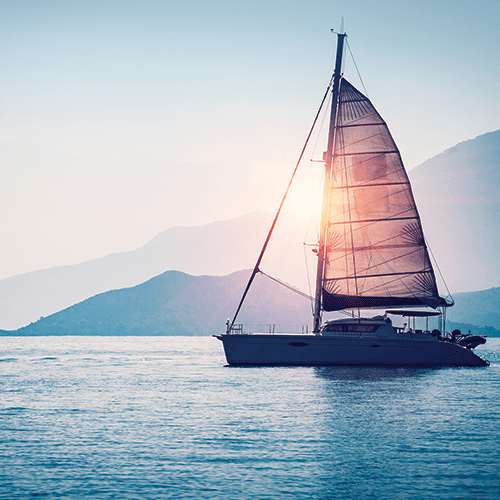 inboard_0000_bigstock-Sailboat-in-the-sea-in-the-eve-206103793